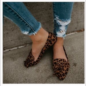 🐆 Leopard print vegan suede flats Sz 8